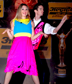 QDress Change Duo perform for Unilever Product Launch - India - September 2009